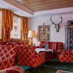 Bar und Wohnzimmer im Hotel Erzberg